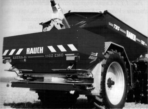 Двухдисковый разбрасыватель минеральных удобрений TWS 7000 фирмы «Rauch»