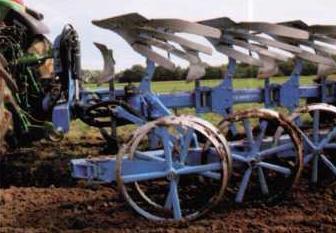 Колеса почвоуплотнителя соединенные попарно