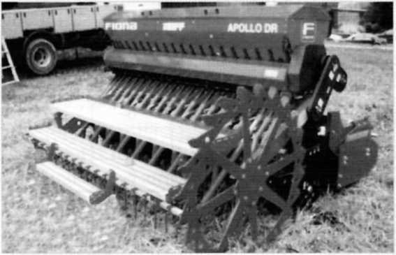 Навесная рядовая сеялка Apollo фирмы «Fiona»