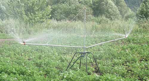 Шланговый передвижной дождеватель ДШ-0,6П с круговым поливом