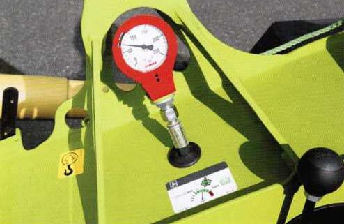 система переноса веса косилки с дернины на трактор