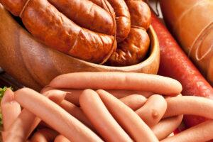 Колбасные изделия из мяса птицы