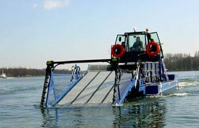 плавучий комбайн для удаления водной растительности