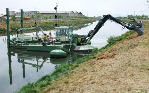 Положение машины Watermaster в начале ее вывода на суш