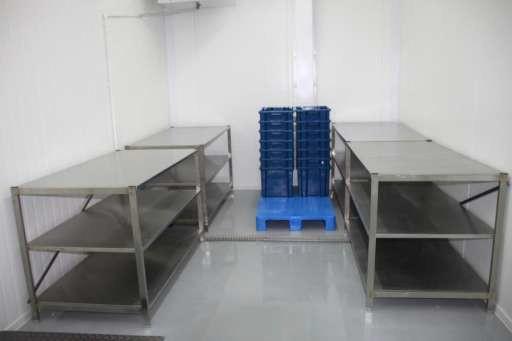 Столы для обвалки и жиловки мясного сырья