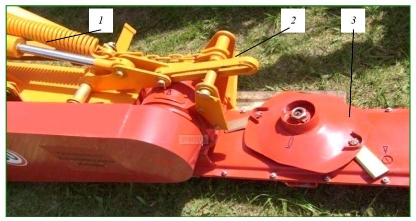 Вид шарнирного устройства косилки АС-1