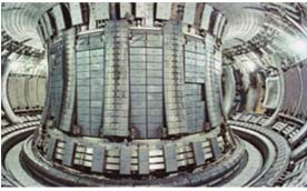 камера крупнейшего в мире действующего токамака JET