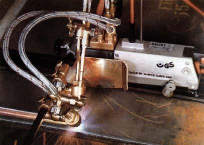 Переносная газорезательная машина Quicki-E с двумя горелками для X-, Yрезов и резки полос