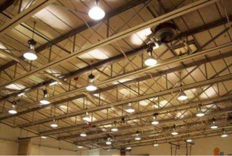 Равномерное освещение производственного участка